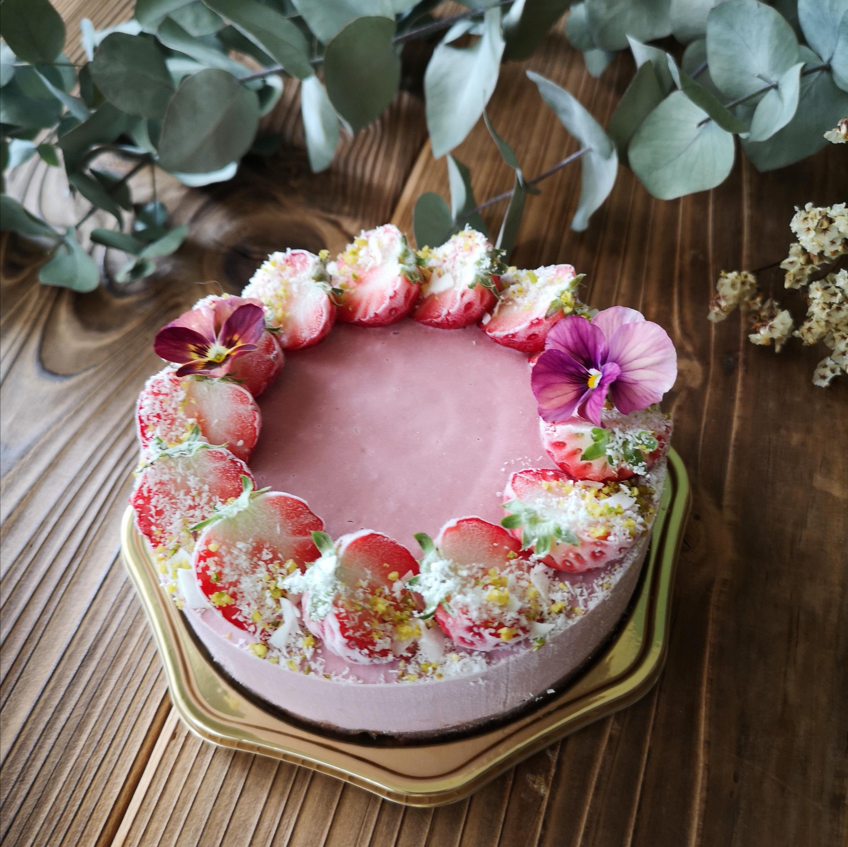 Strawberry Raw Cheese Cake  SSサイズ(12㎝ 約4〜6名様分)