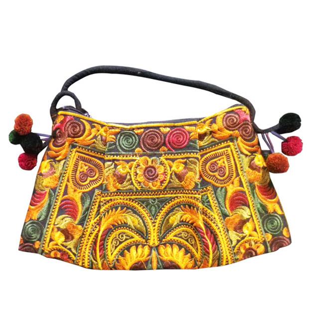 タイモン族刺繍ポシェット