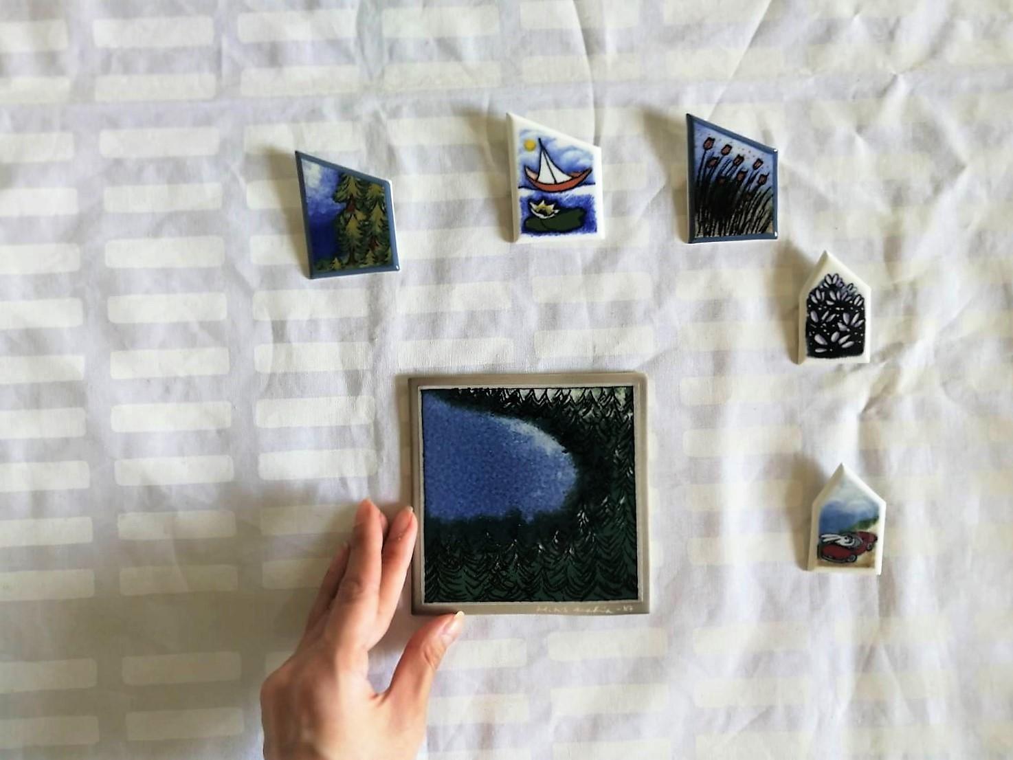 陶板ブローチ / アラビア ヴィンテージ / 淡パープルのお花たち / ヘルヤ