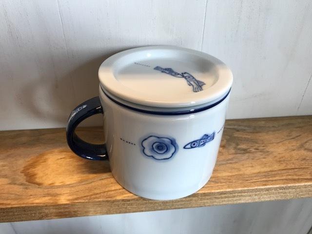 ヨジュの陶芸作家のフタ付きハーブティーマグカップ