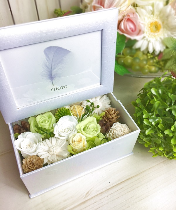 【母の日】フォトフレームBOX プリザーブドフラワー Green&White プレゼント お誕生日