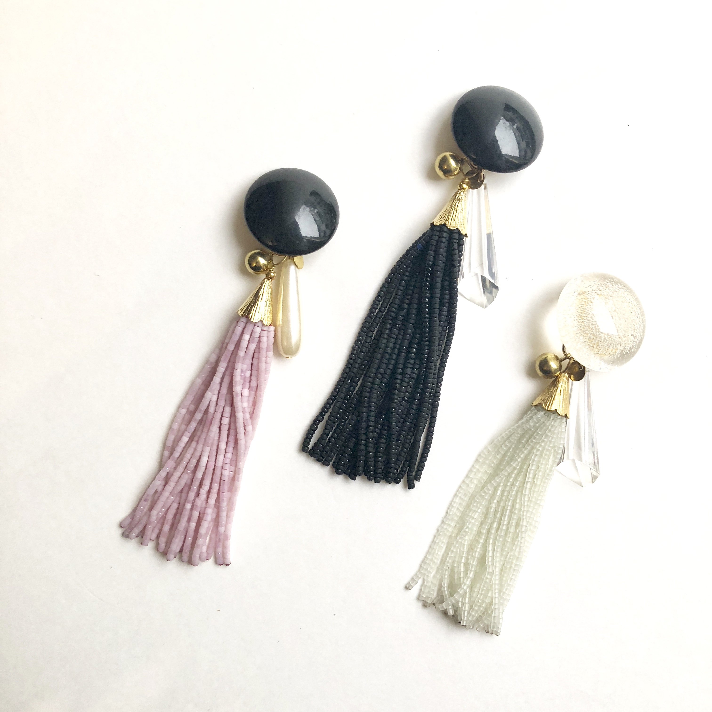 Glass tassel single earrings