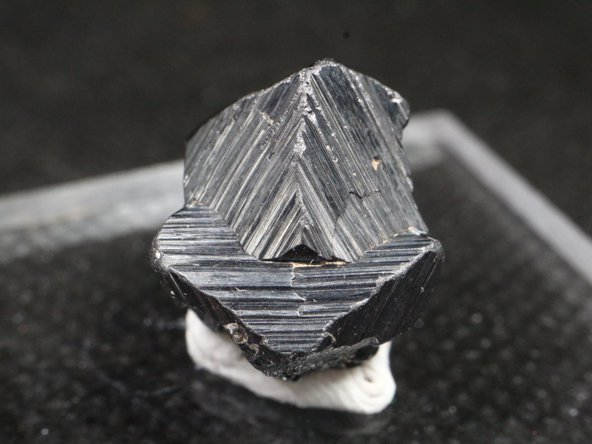 マグネタイト クリスタル 磁鉄鉱 4,8g ユタ州産   MGT015  原石 天然石 鉱物 パワーストーン
