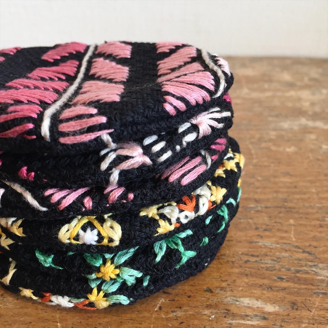 刺繍コースター