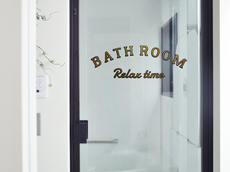 サインペイント風BATH ROOMウォールステッカー