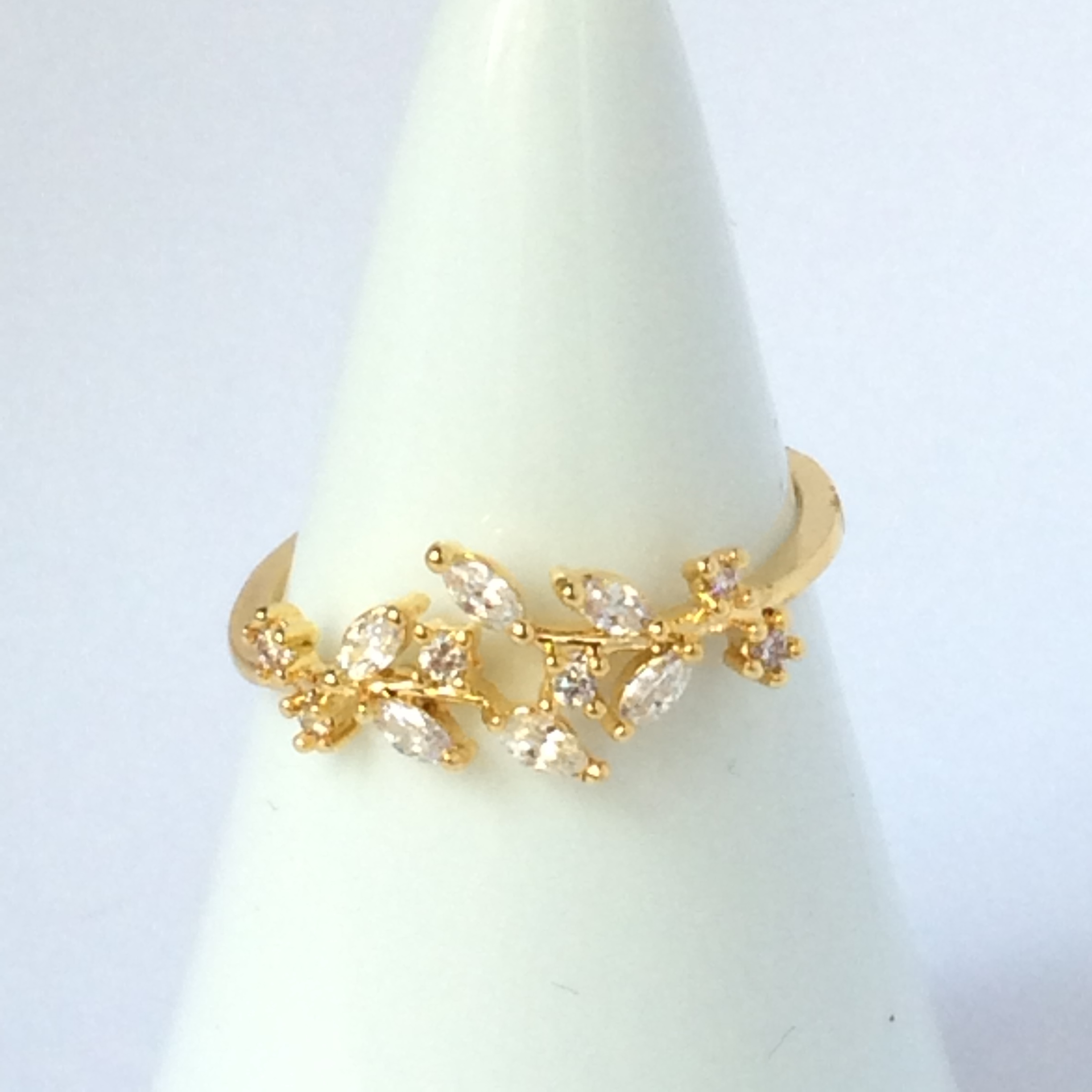 【 UNSEABLE 】CZ Ring leaf  Gold