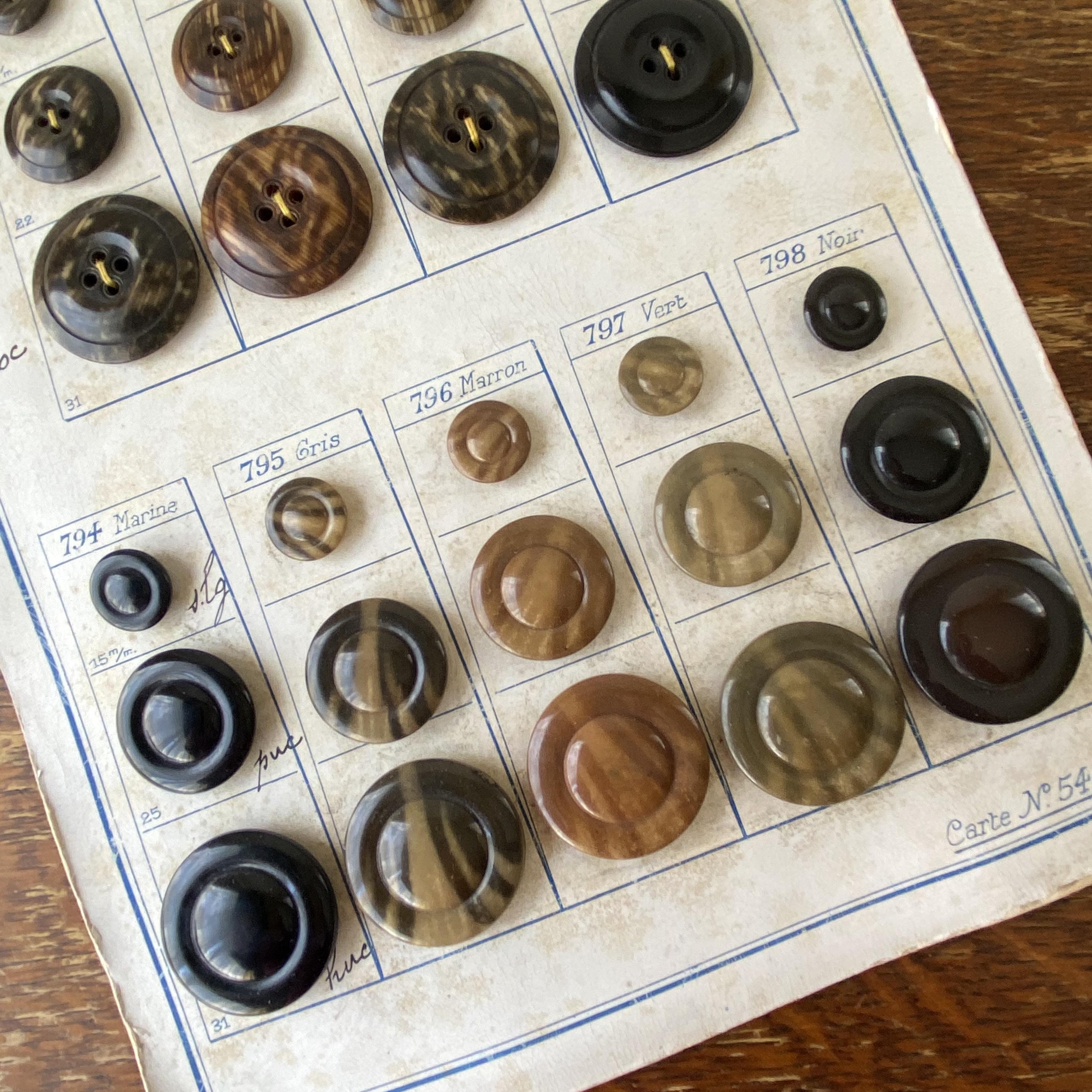 France ボタンサンプル・c /  de0056