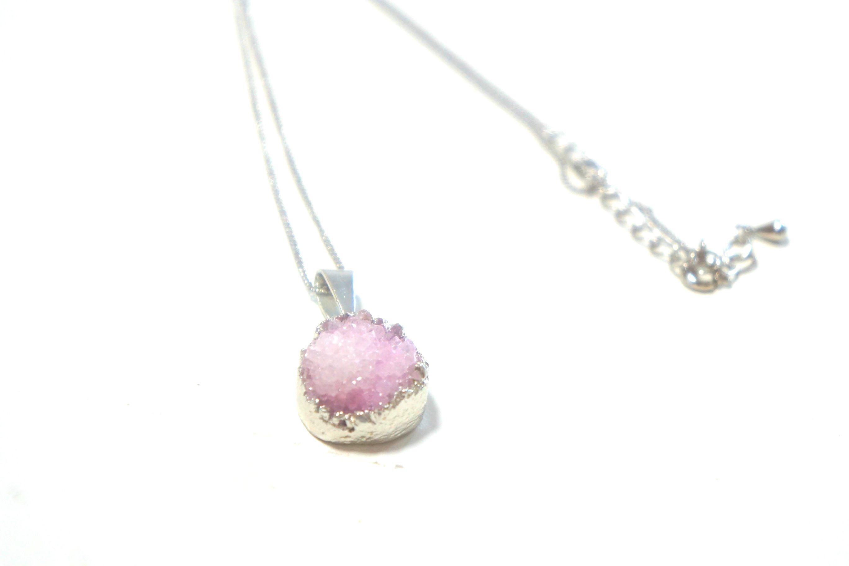 4980円→2490円!!現地直接仕入れ☆天然石ドゥルージーネックレス(ピンク)