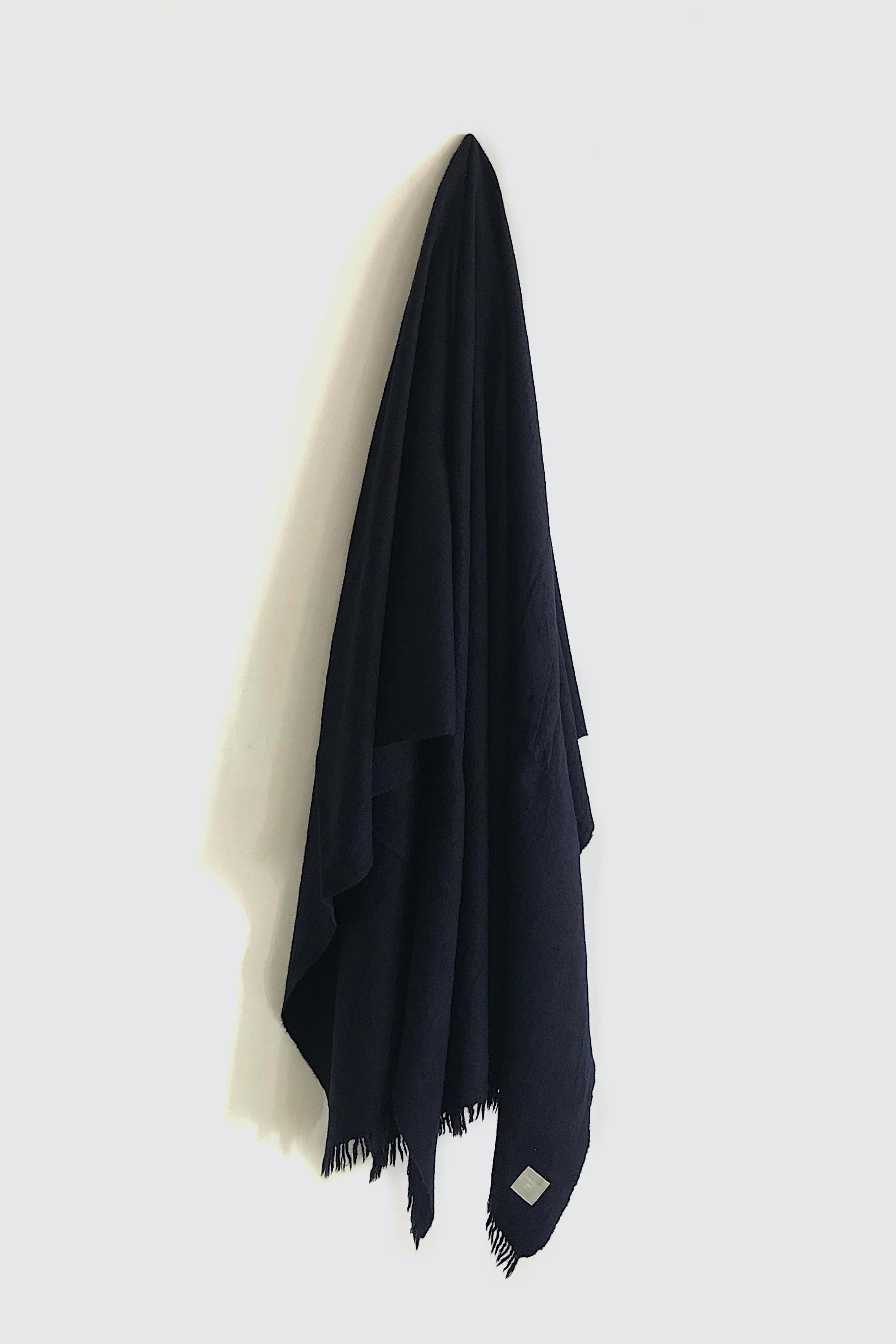 01472-4 muji semicircle cut stole / navy