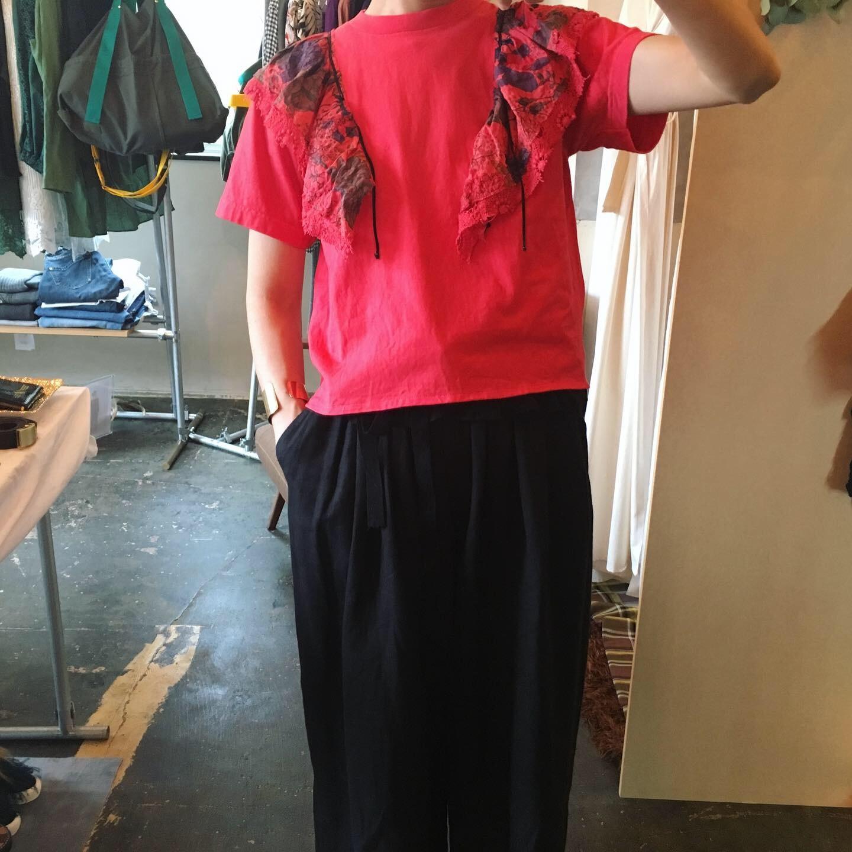【 REHERSALL 】リハーズオール フラワーフリルカラーTシャツ RED
