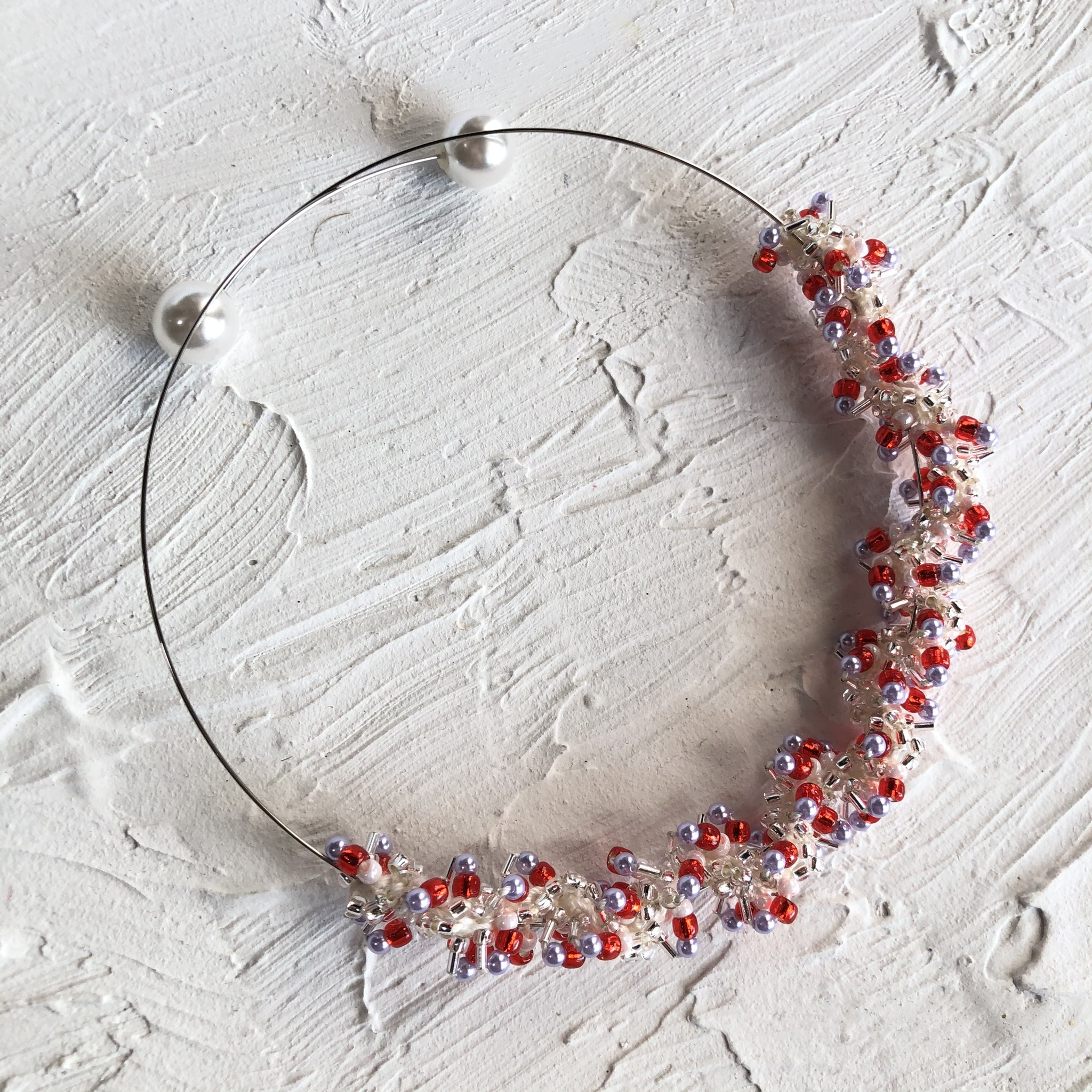 aK beads wire neckless 5 red purple