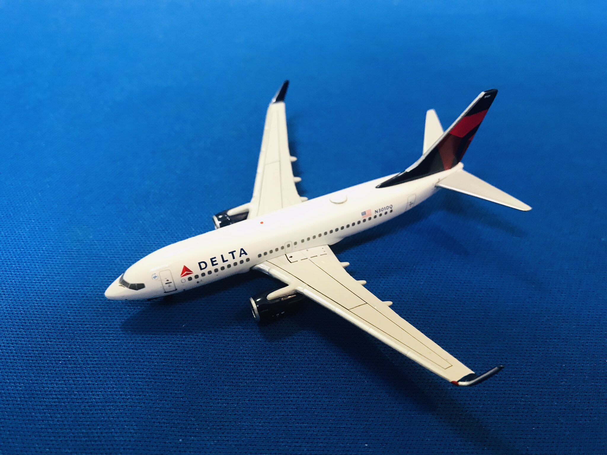 中古品ジェミニジェッツ/ボーイング 737-700 デルタ航空 N301DQ 1/400