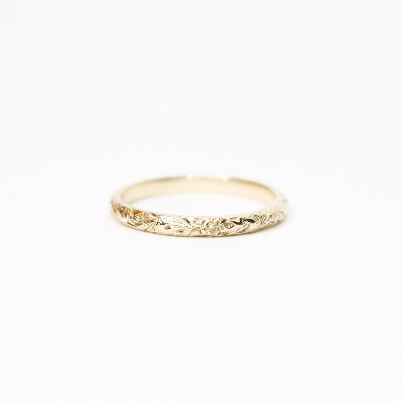TINY DIAMOND RING