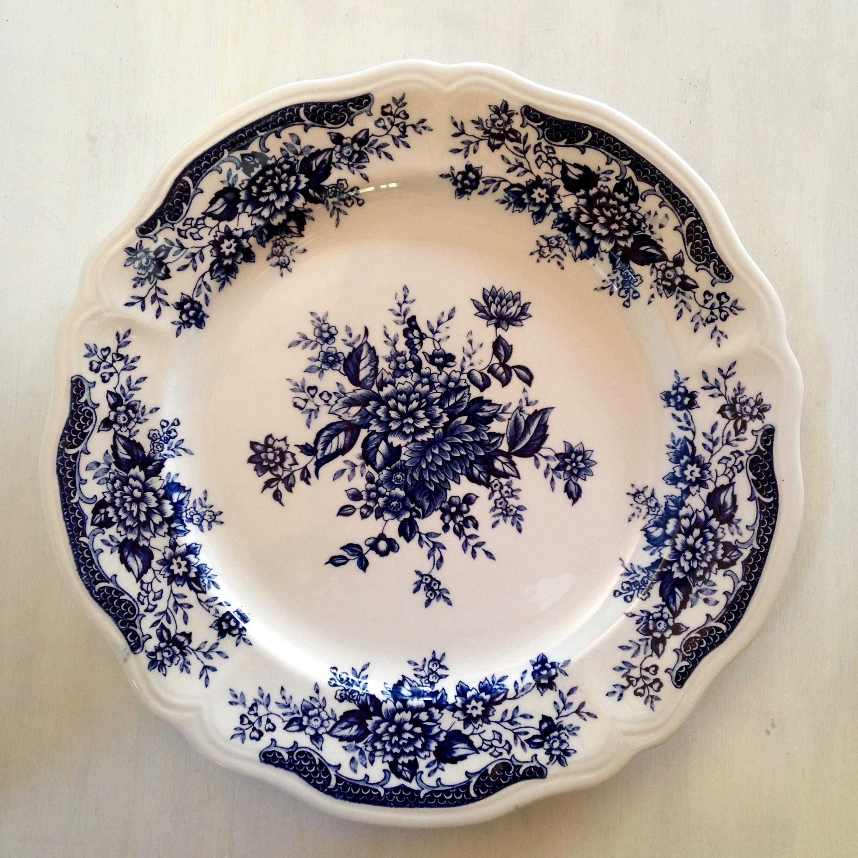 青い花柄の大皿(Blue Carnation Iron Stone)昭和レトロ