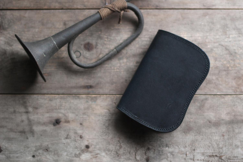 藍染革[migaki]墨藍 × 蝋引き革 二つ折り財布