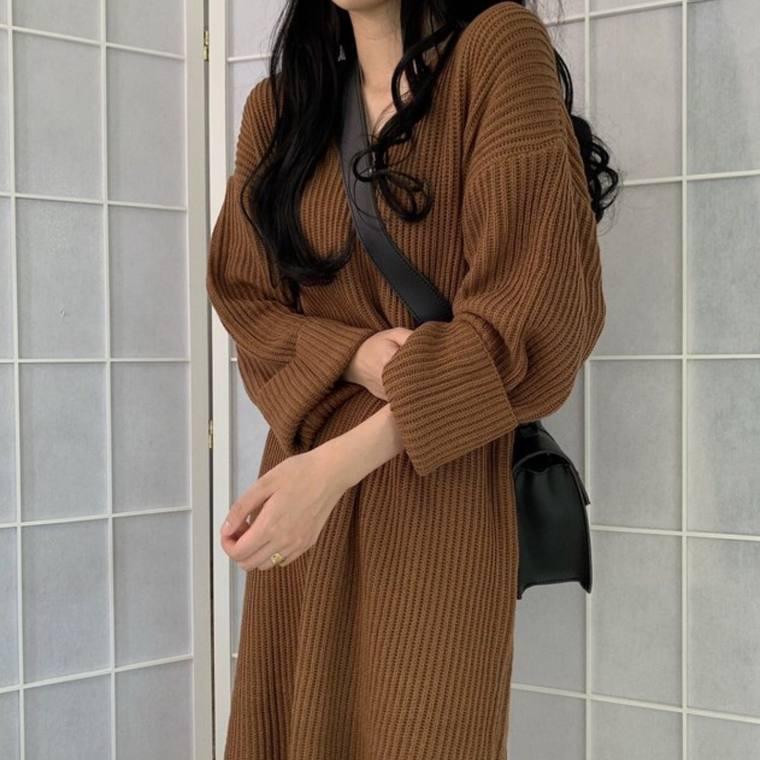 【即納】【送料無料】 大人カジュアル♡ Vネック リブニット ロング ワンピース サイドスリット ドロップショルダー