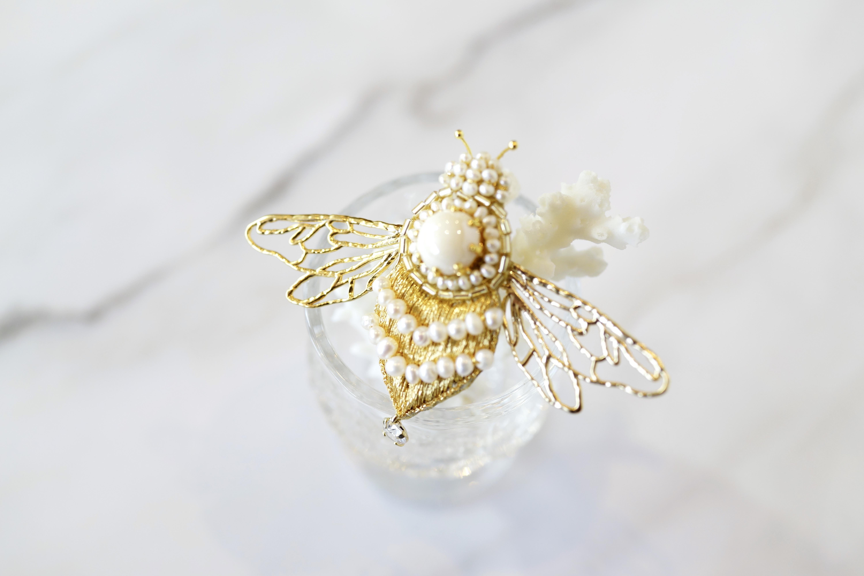 【刺繍ブローチ】BEE! gold.