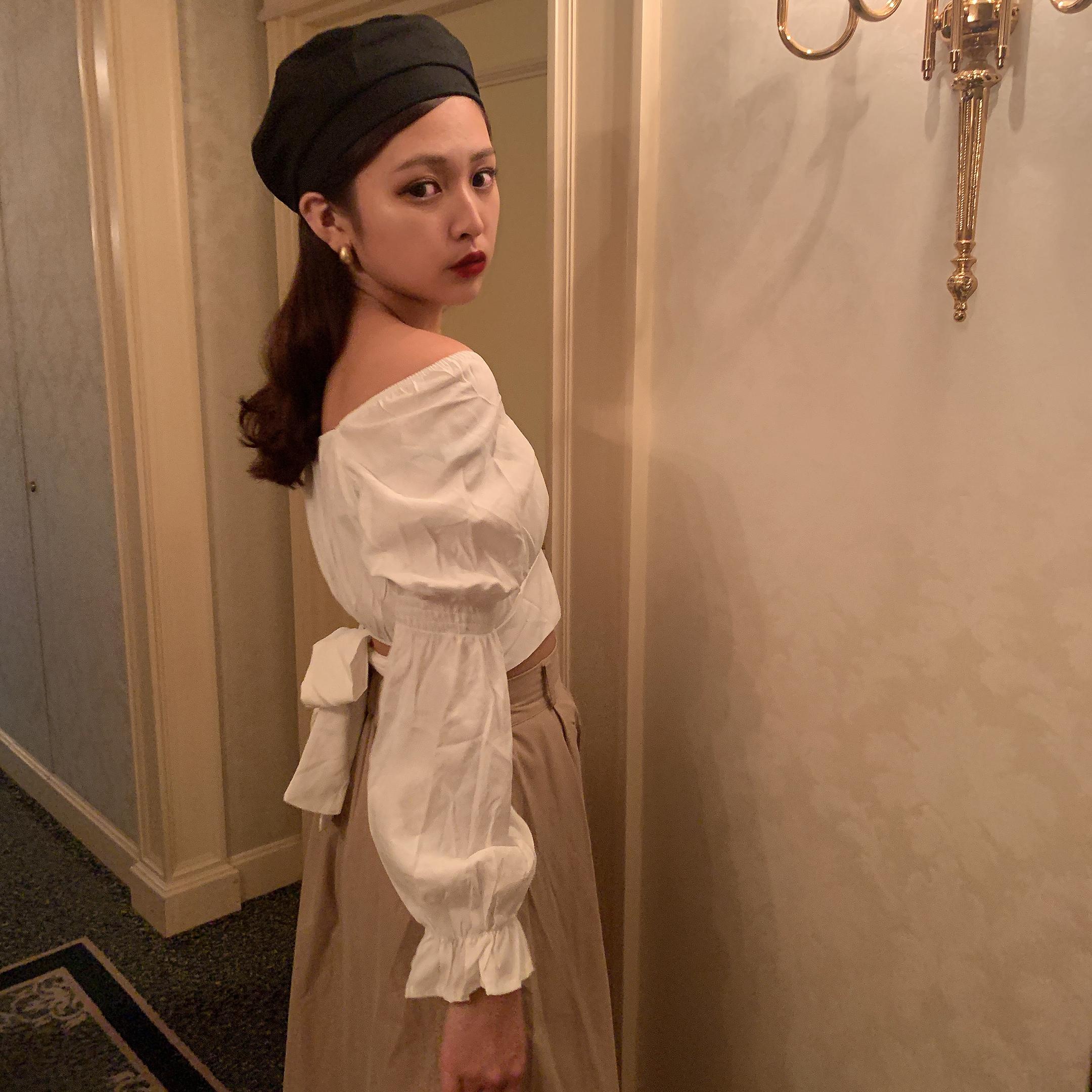 back cut ribbon blouse