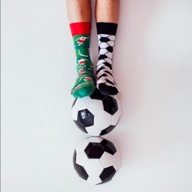 """MANY MORNINGS """"FOOTBALL FAN"""" ソックス(メンズ/レディース)"""