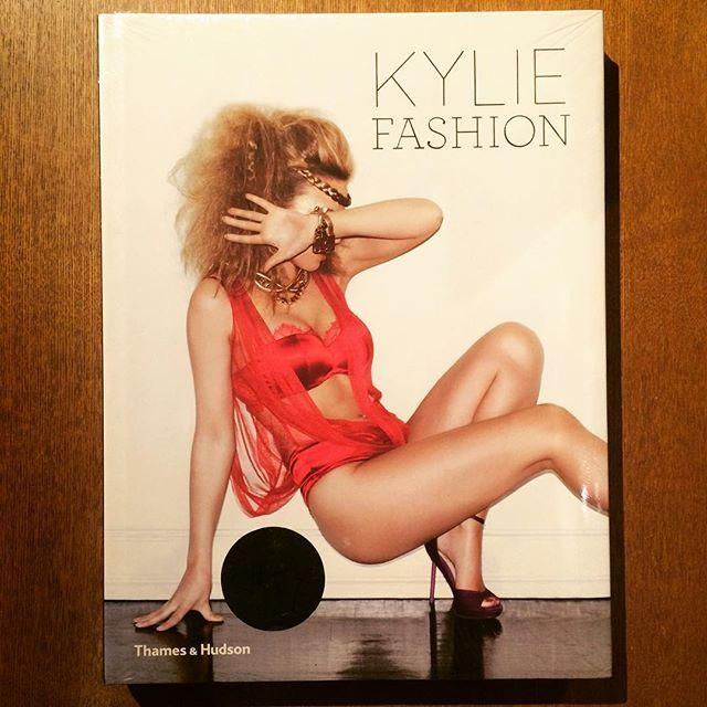 ファッションの本「Kylie Fashion/Kylie Minogue」 - 画像1