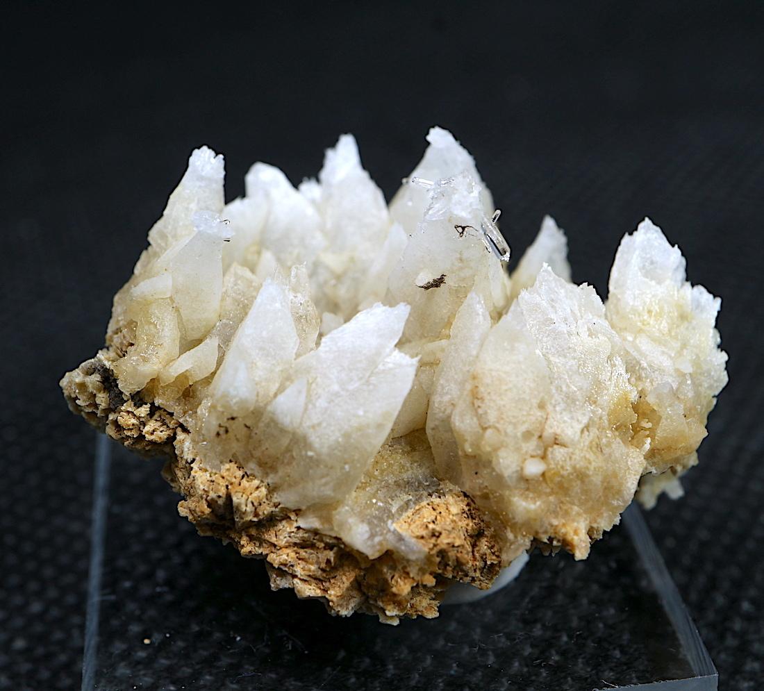 クォーツ結晶 + カルサイト  ネバダ産 10g QZ039 原石 天然石 鉱物 パワーストーン
