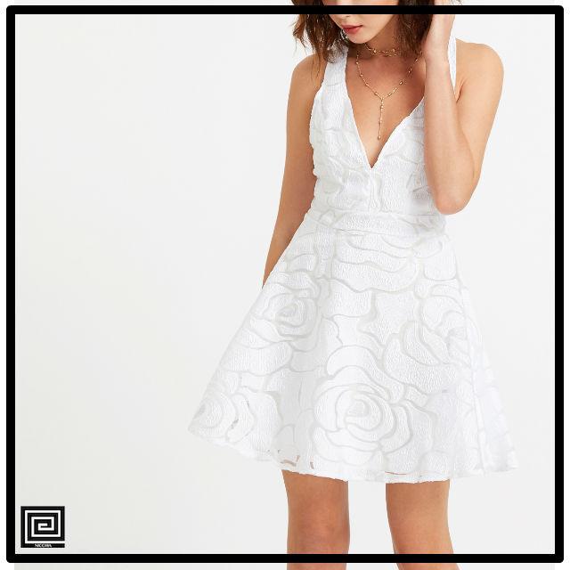 ホワイトディープVネックオープンバックメッシュオーバーレイドレス