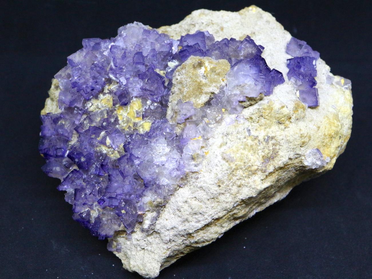 大きい母岩!フローライト 蛍石 原石 メキシコ産 525,5g FL018