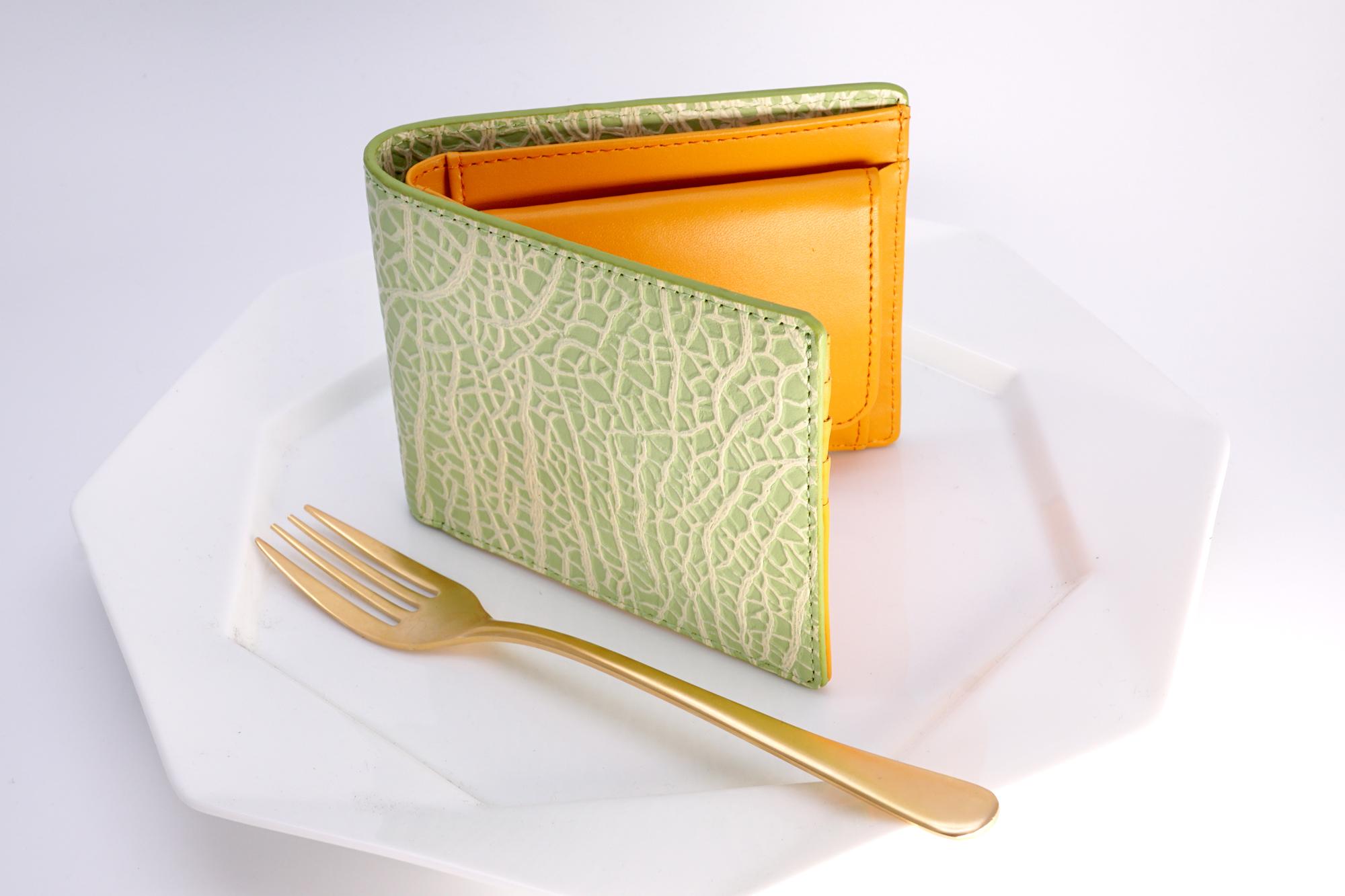 【牛革製】メロンな2つ折り財布/赤肉
