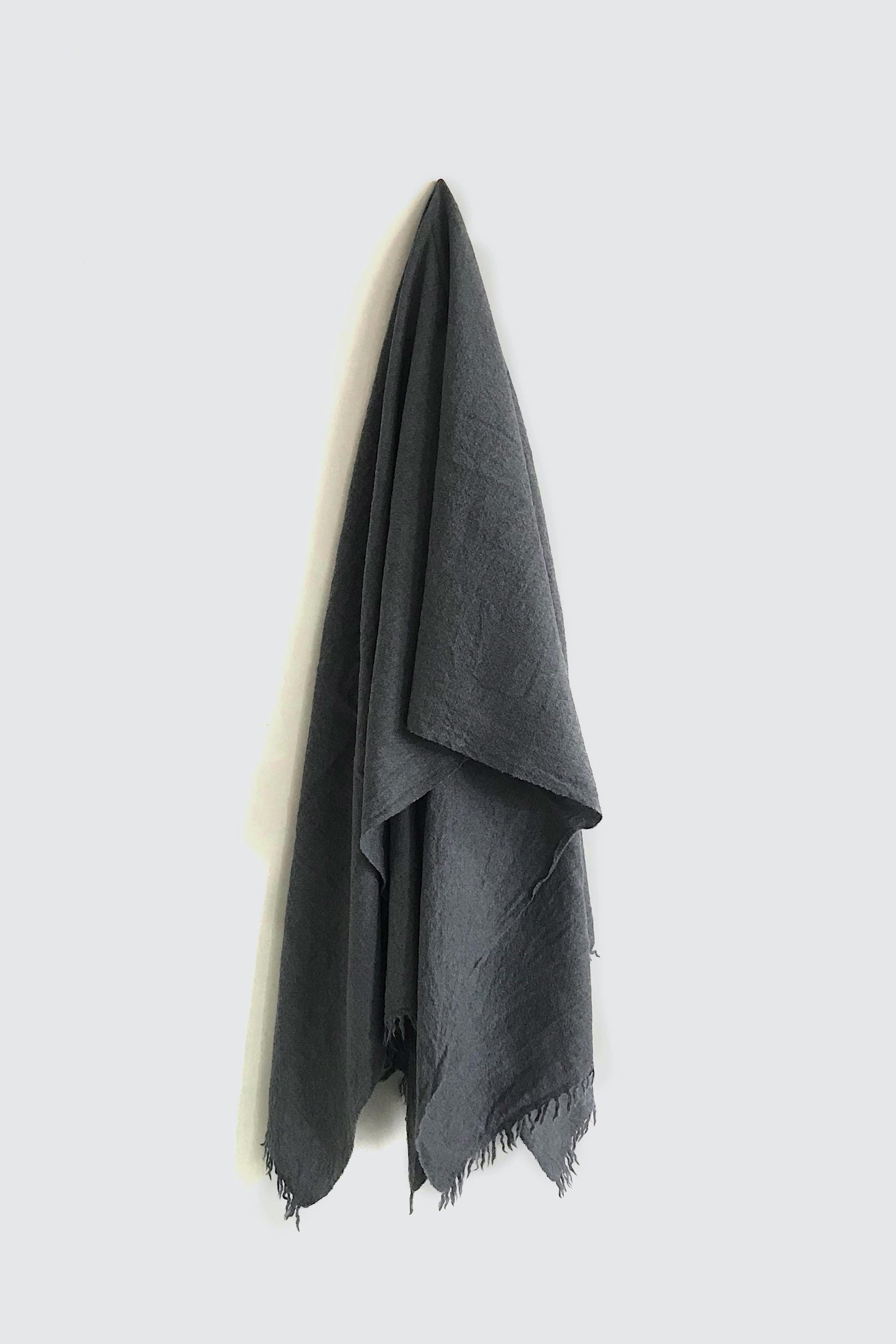 01471-1 muji stole / gray
