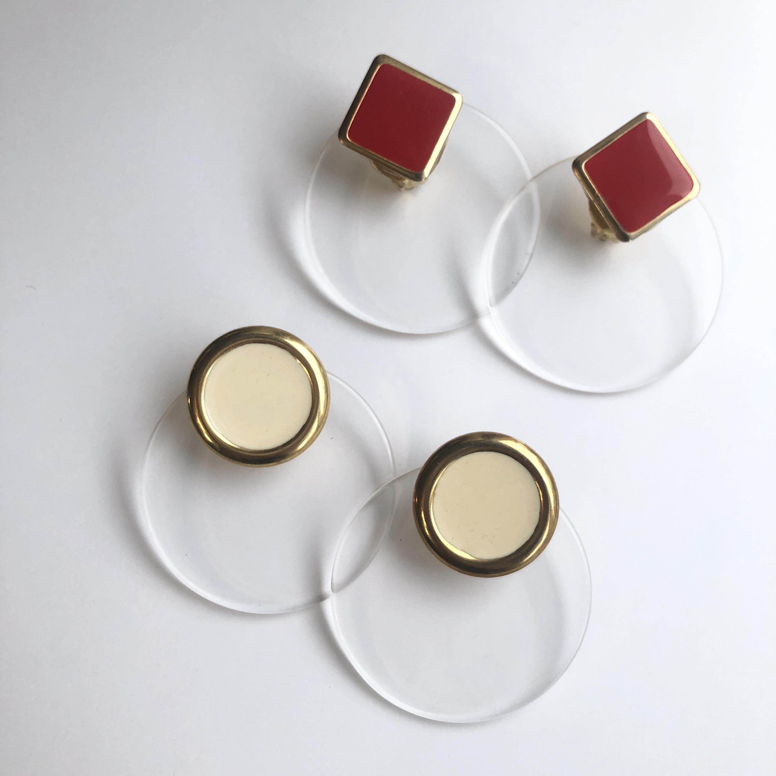 Lucite Disc earrings X-031