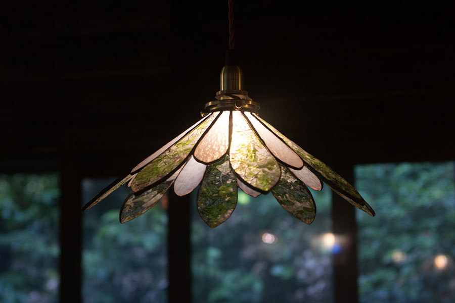 碧(みどり)・広稜(こうりょう)(ステンドグラスの吊りランプ)(ペンダントライト)  01010035