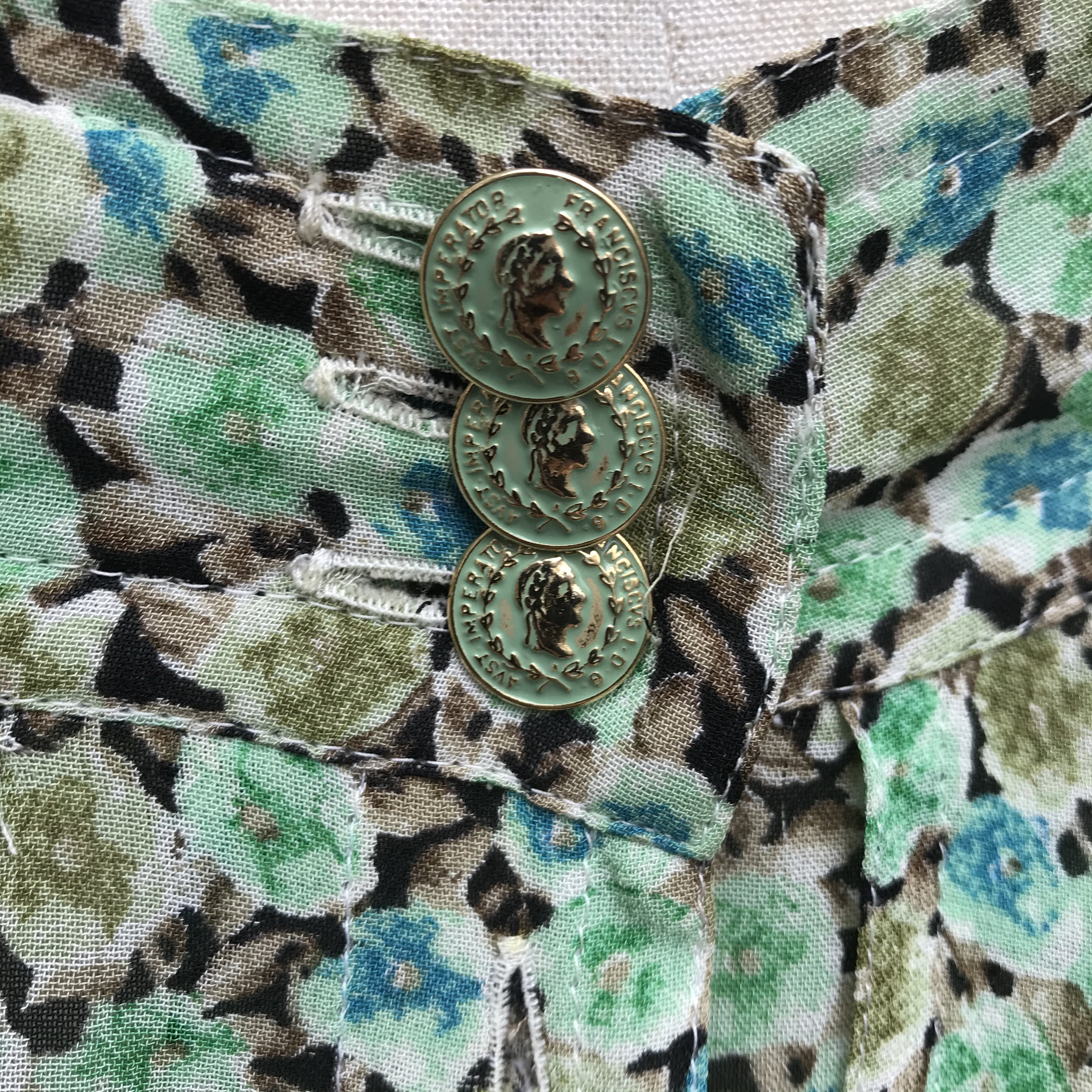 vintage Euro design skirt
