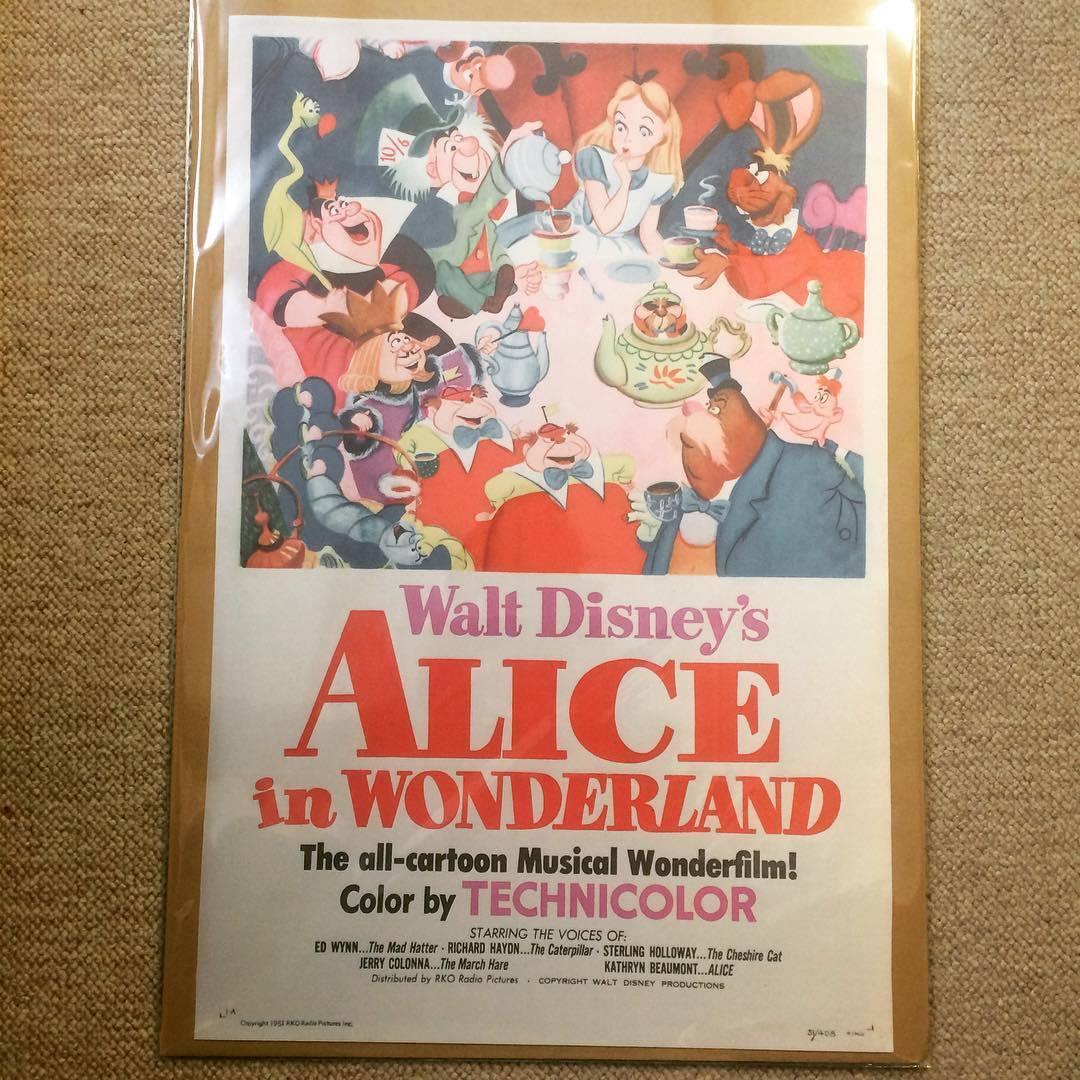 布 ポスター「不思議の国のアリス ふしぎの国のアリス ディズニー」 - 画像1