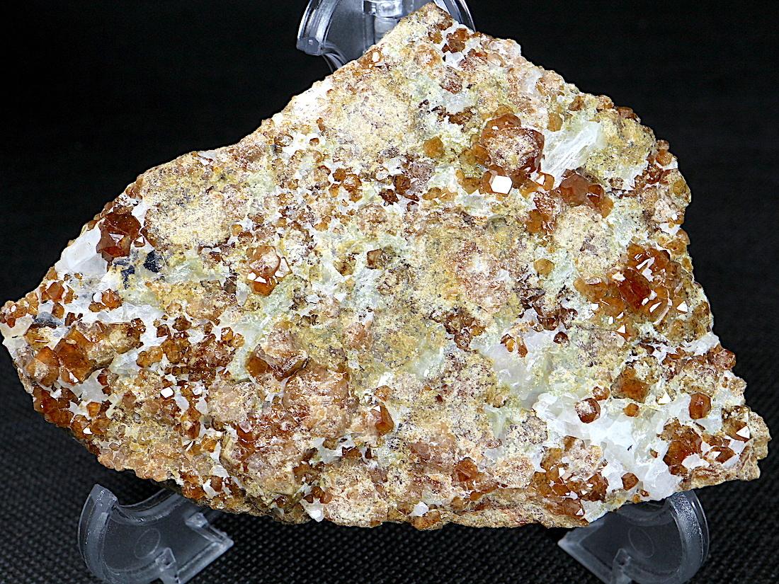 大きめ!自主採掘!カリフォルニア産 グロッシュラー ガーネット 304,2g GN076 原石 鉱物 天然石 パワーストーン