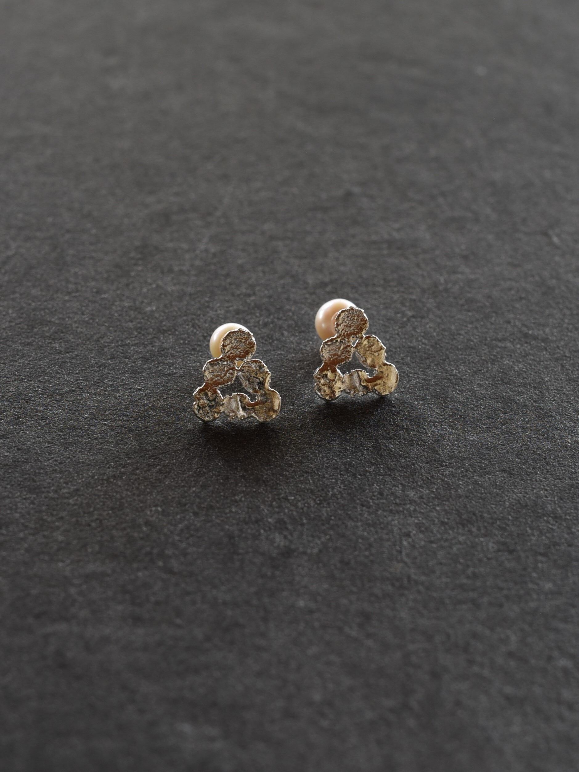 accessories mau|P-14 まるまる三角ピアス silver