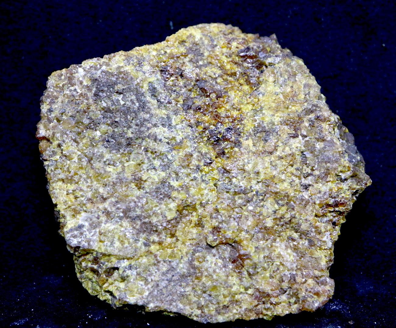 アンドラダイト ガーネット 灰鉄柘榴石 原石 38,7g AND002 鉱物 標本 原石 天然石