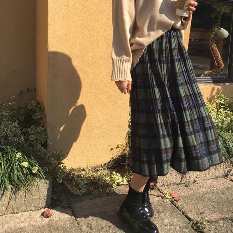 チェック柄ミディ丈プリーツスカート22