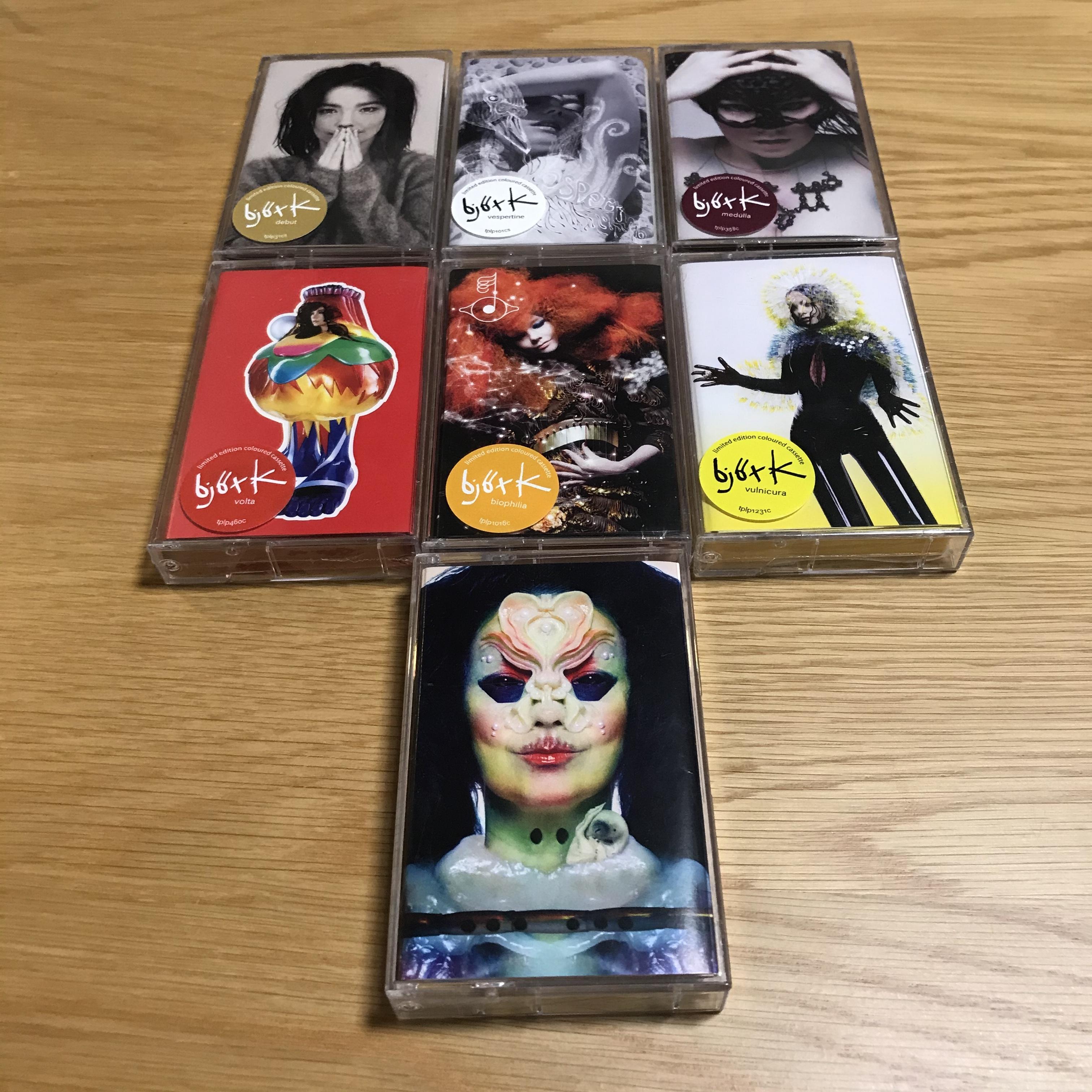 【中古】Björk limited edition coloured cassette(カセットテープ)