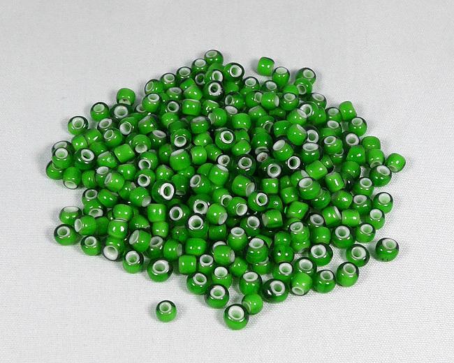 ホワイトハーツビーズ 緑色 丸5mm H2734WH14602