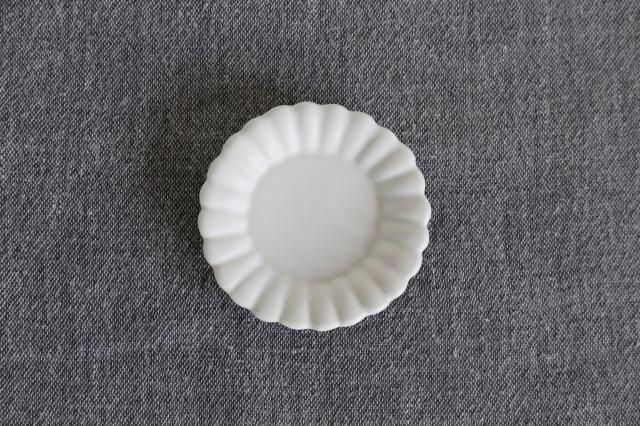 臼杵焼 白磁輪花豆皿 rin03
