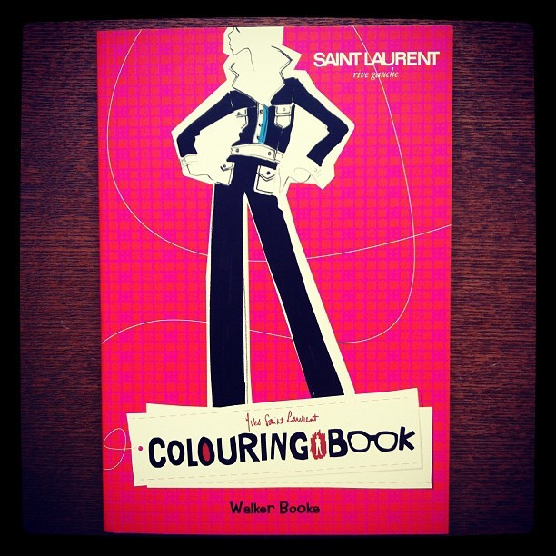ファッションの本「Yves Saint Laurent Rive Gauche Colouring Book」 - 画像1
