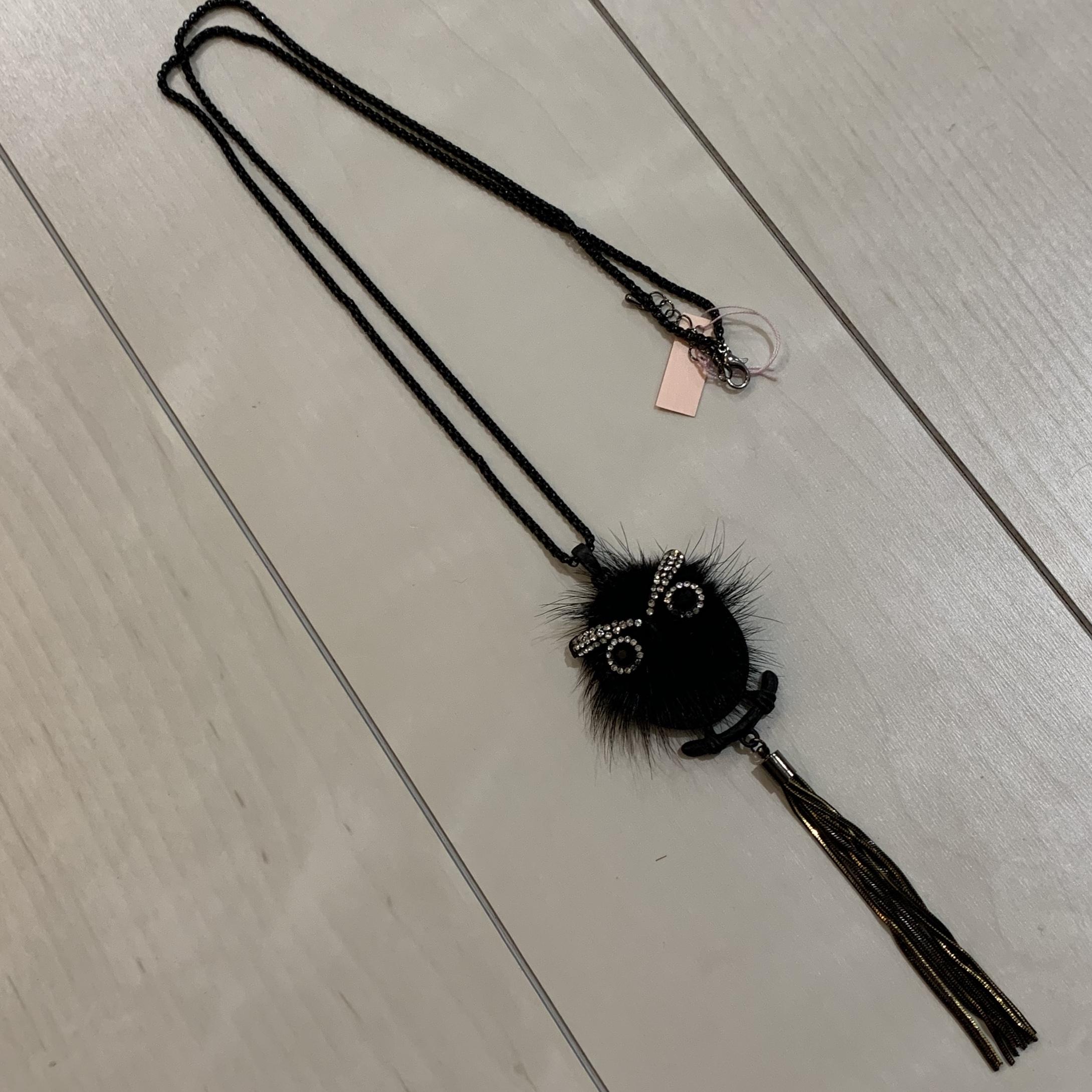 フクロウモチーフのネックレス