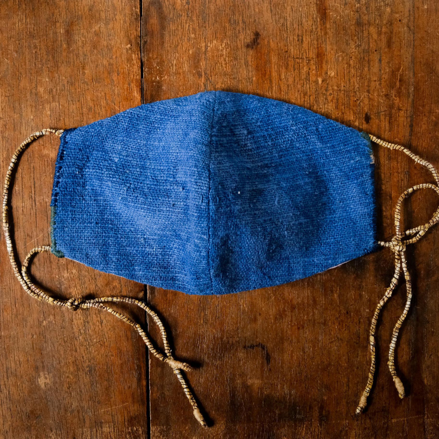「もりふかく」藍染手紡ぎ手織り綿と竹布の手縫いマスク 男性用
