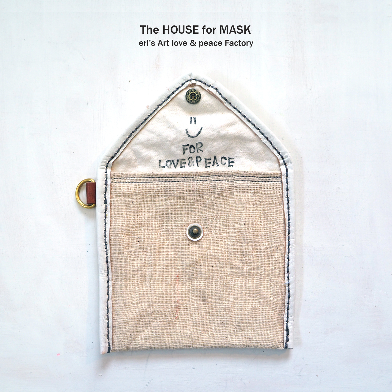 The HOUSE for MASK -マスクのおうちポーチ white- LE-1332