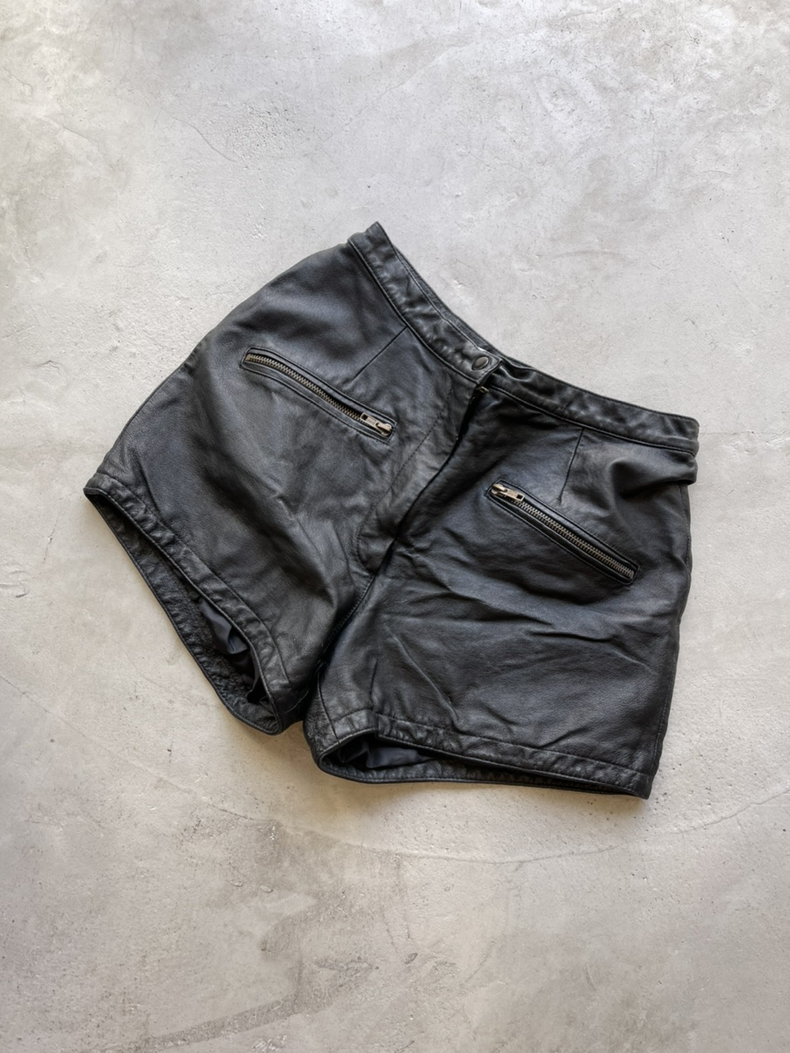 vintage leather short pants