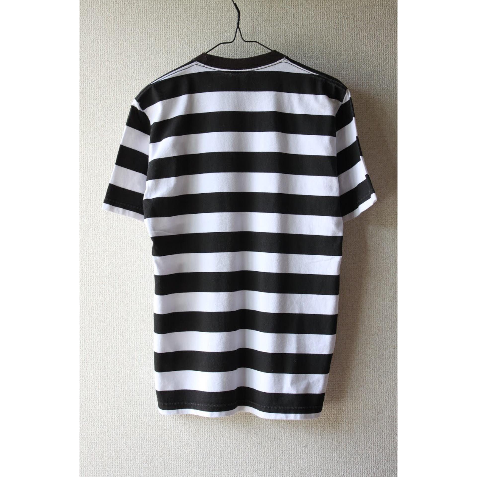 Vintage border t shirt