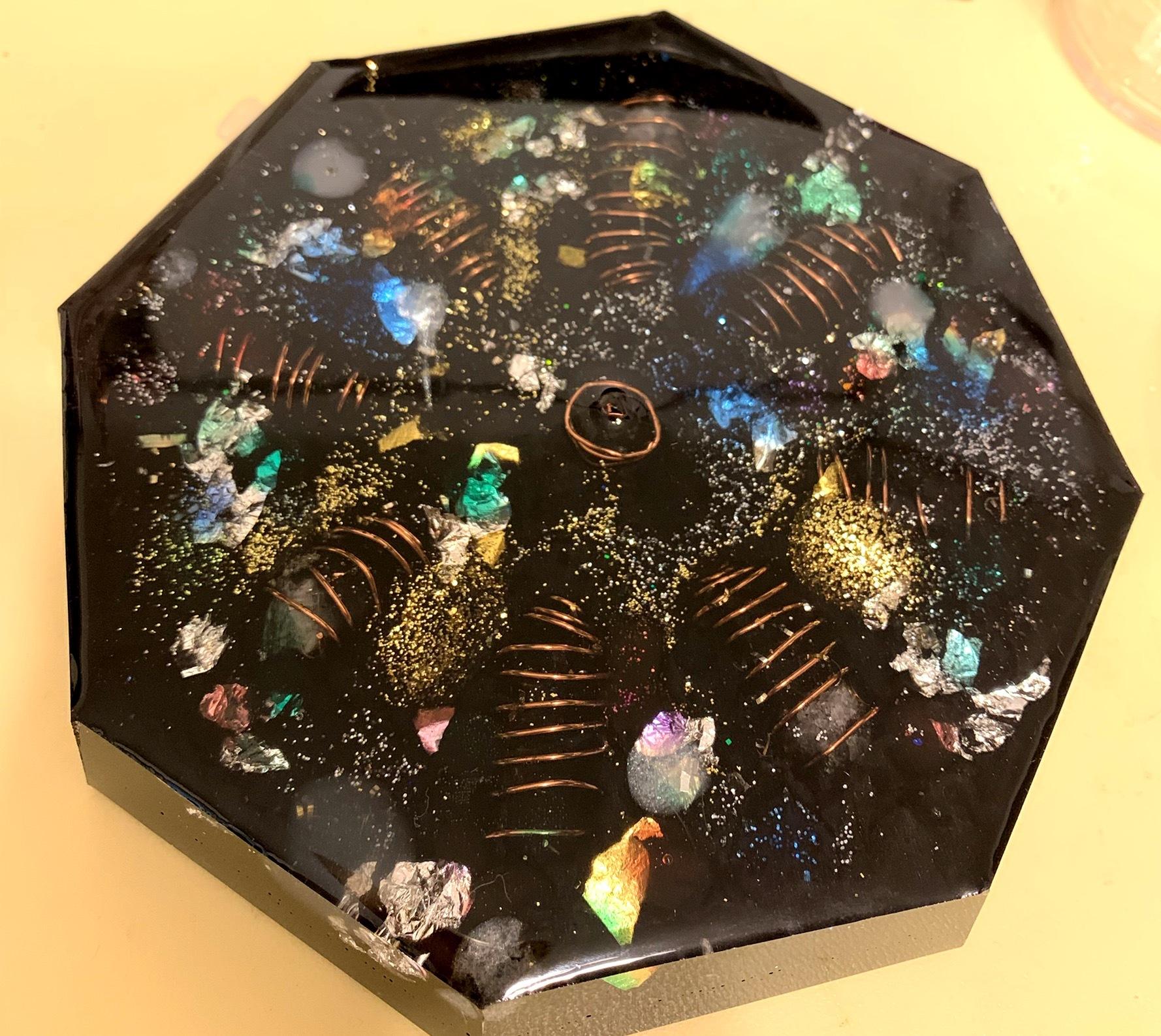 【宇宙オルゴナイト】八角浄化プレート-媒体石、エッセンシャルオイル付き