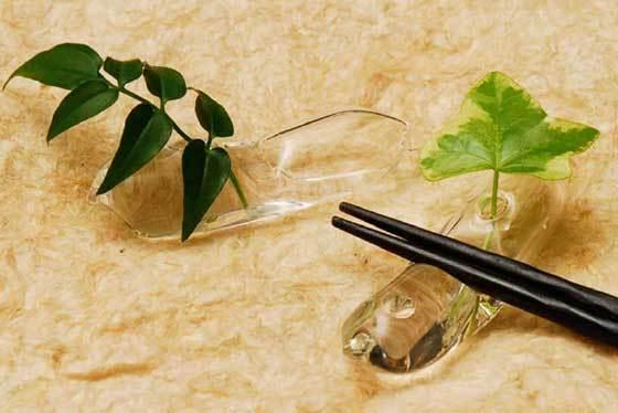 花一輪(ガラス製の箸置きの一輪挿し) 02070111