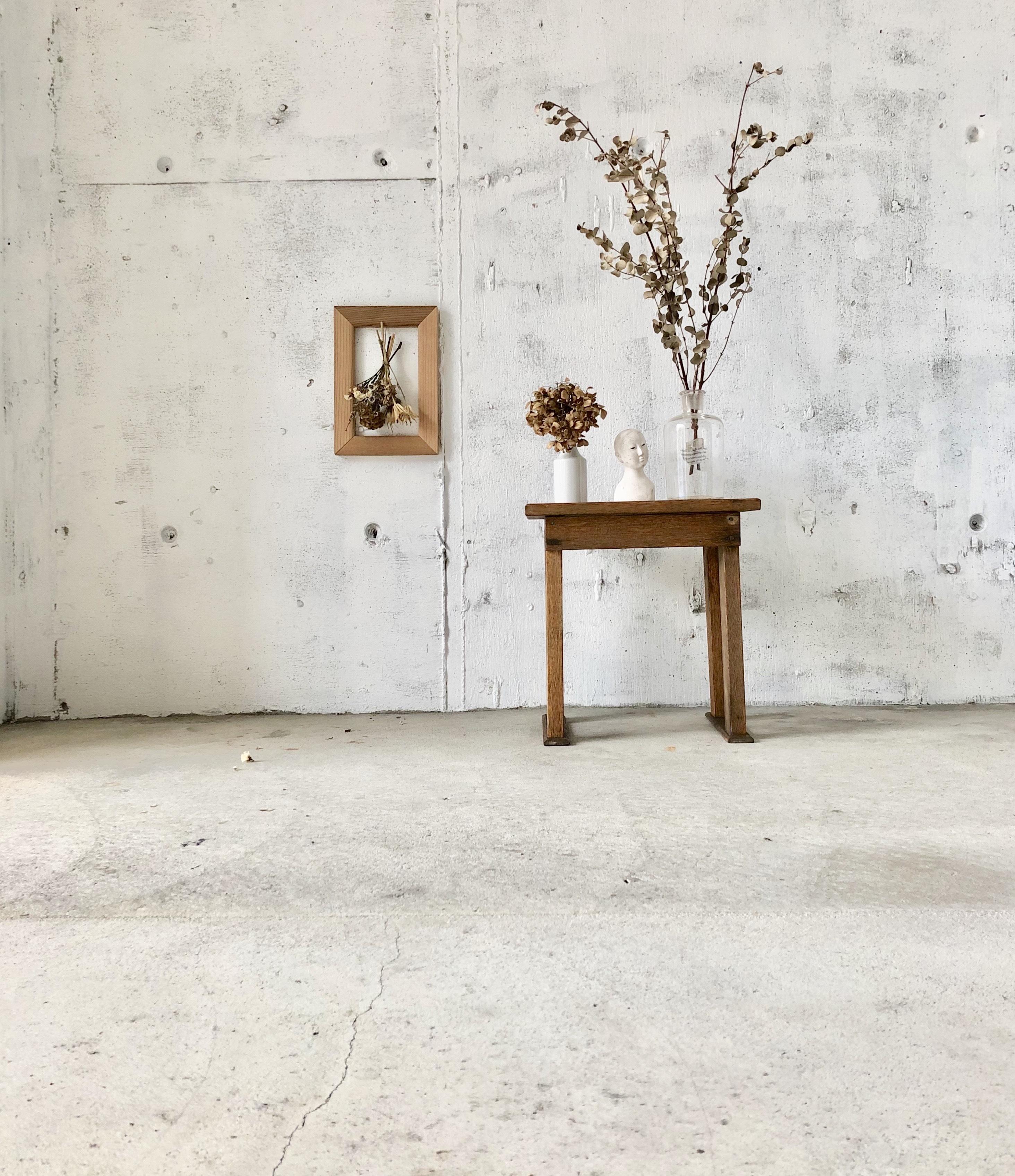 木製の飾り台[古家具]
