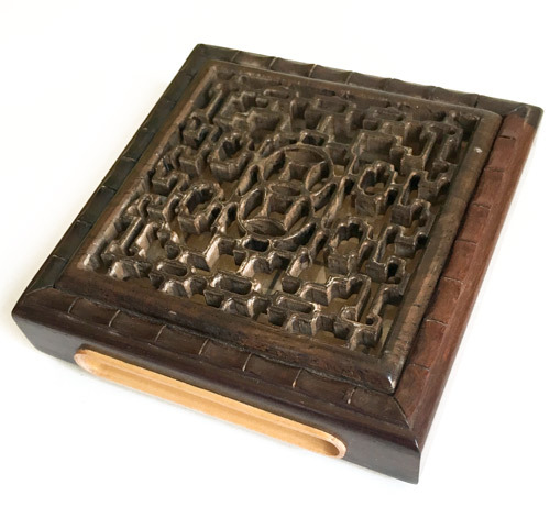 手彫り 格子窓 紅酸枝 標準サイズ(正方形)